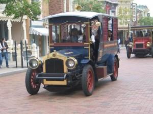 Profil Sjaya- bus roda mati tahun 1930-1
